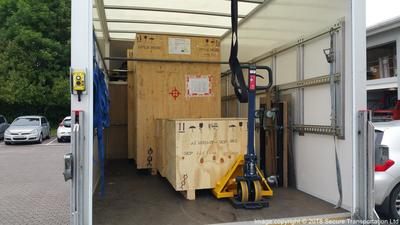 Specialist tail lift transport